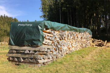 Prelata Poly Tarp acoperit lemne